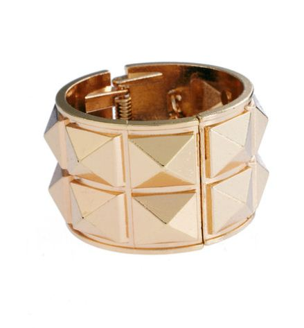 Another Golden Cuff to Hide a Boring Elastic