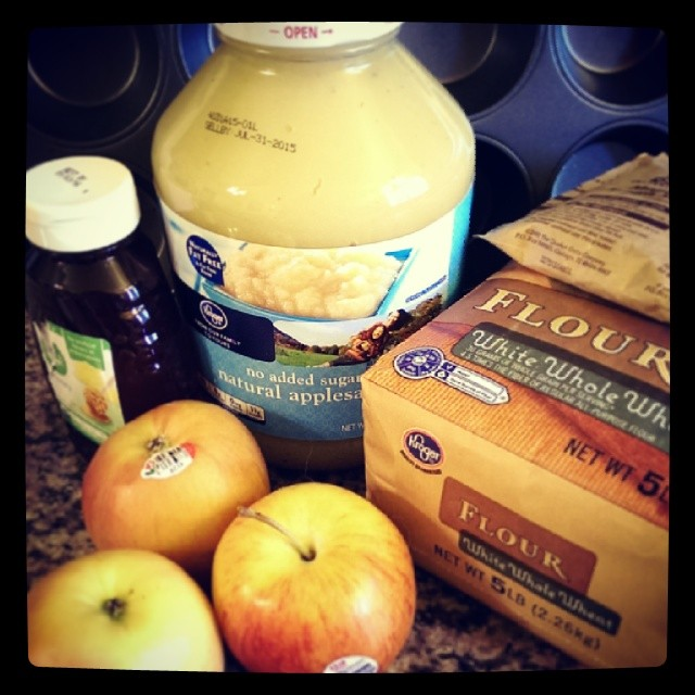 Farmer's Market Fresh: Pear Vanilla Muffins, Plus an Apple Pupcakes Recipe!