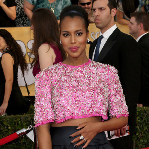 Kerry-Washington-Wears-Crop-Top-SAG-Awards