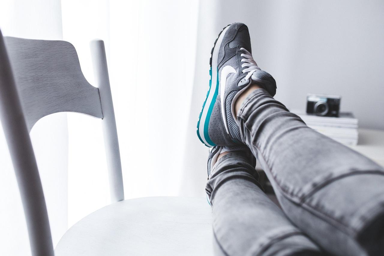 woman-legs-girl-grey